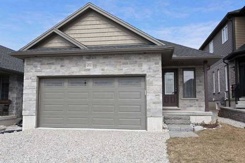 House for sale at 202 Wedgewood Dr Woodstock Ontario - MLS: X4389740