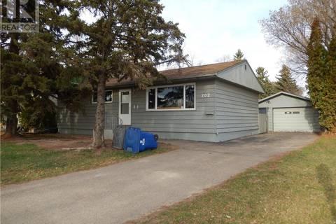 House for sale at 202 Whitney Ave S Saskatoon Saskatchewan - MLS: SK771690