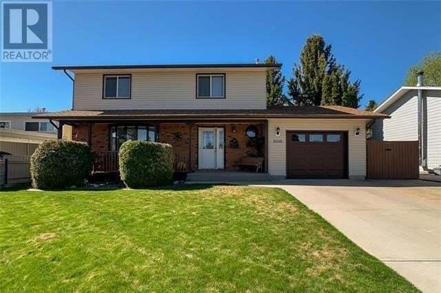 House for sale at 2020 25 Ave N Lethbridge Alberta - MLS: ld0193832