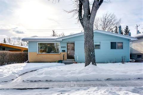 House for sale at 2023 57 Ave Southwest Calgary Alberta - MLS: C4280757
