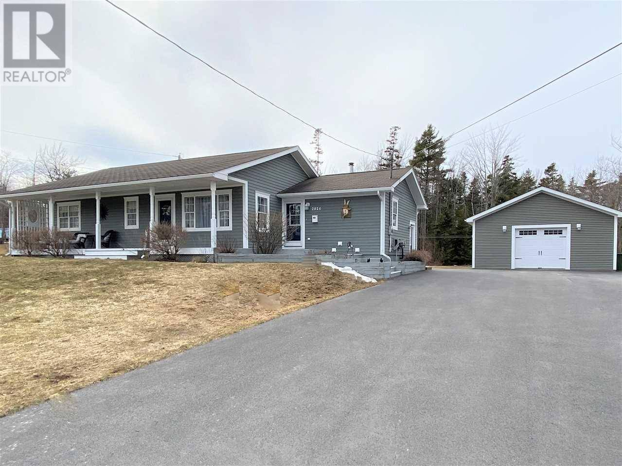 House for sale at 2024 Angell St Westville Nova Scotia - MLS: 202001950