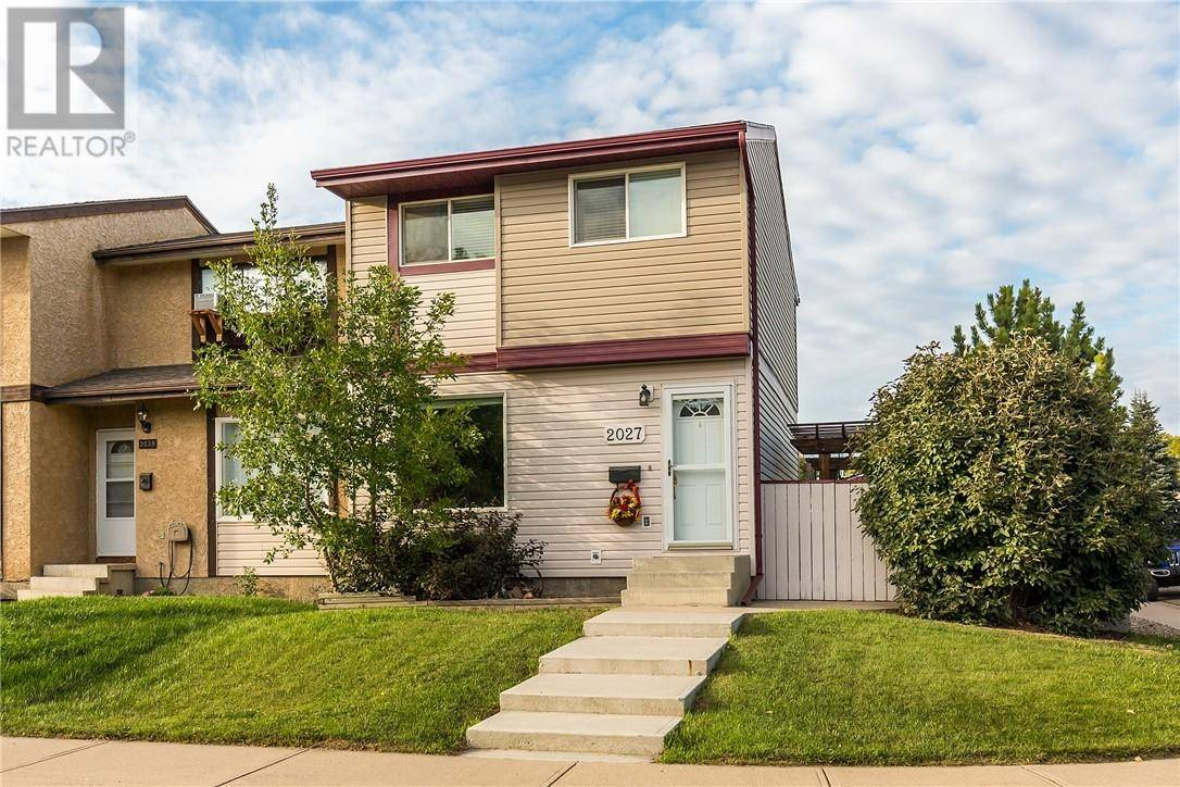 Townhouse for sale at 2027 7 Ave N Lethbridge Alberta - MLS: ld0190122