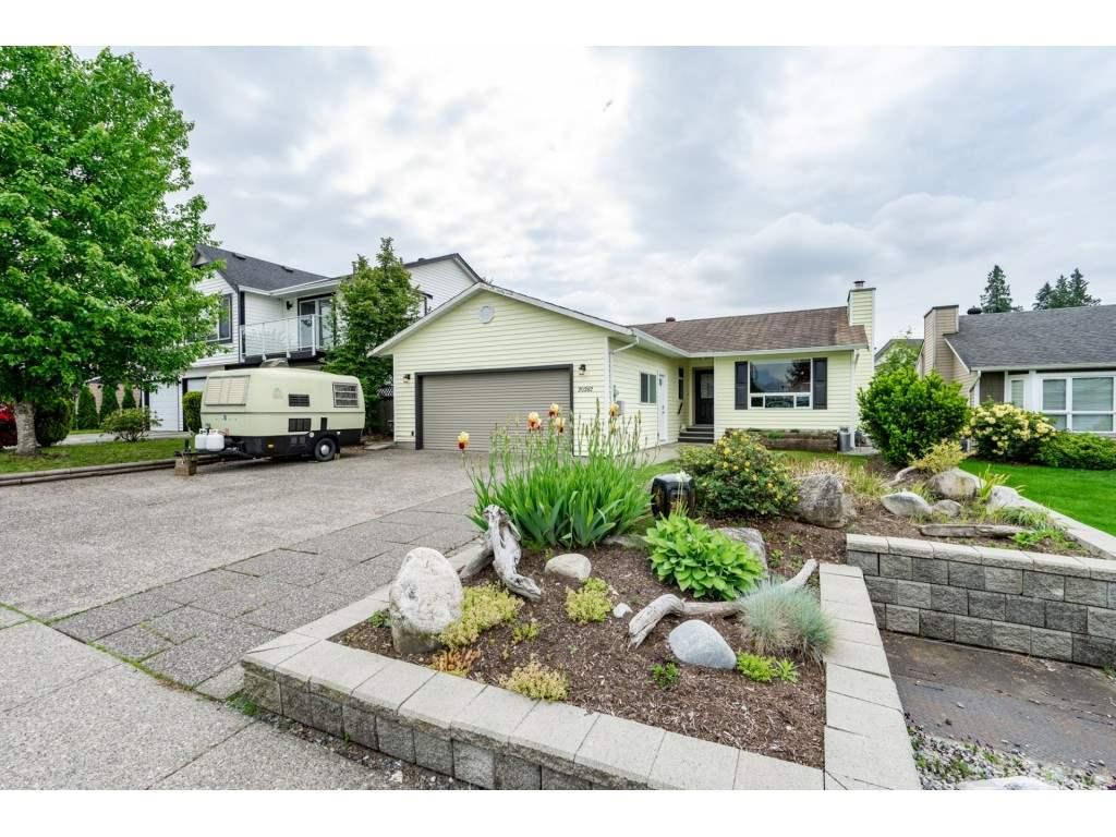 Sold: 20282 Stanton Avenue, Maple Ridge, BC