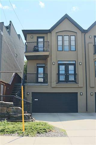 Townhouse for sale at 2029 20 Ave Southwest Calgary Alberta - MLS: C4256988