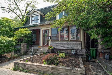 Townhouse for sale at 2029 Dundas St Toronto Ontario - MLS: W4830336