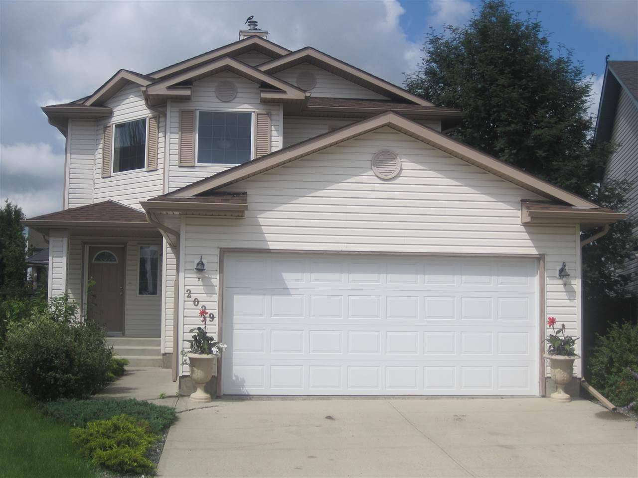 House for sale at 2029 Garnett Wy Nw Edmonton Alberta - MLS: E4167573