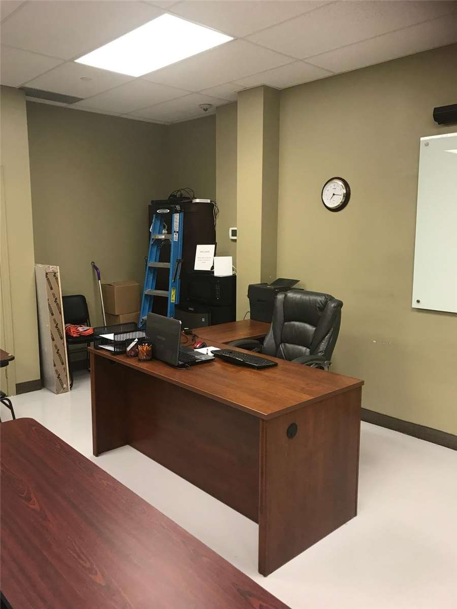 204 - 5170 Dixie Road, Mississauga - Commercial Property