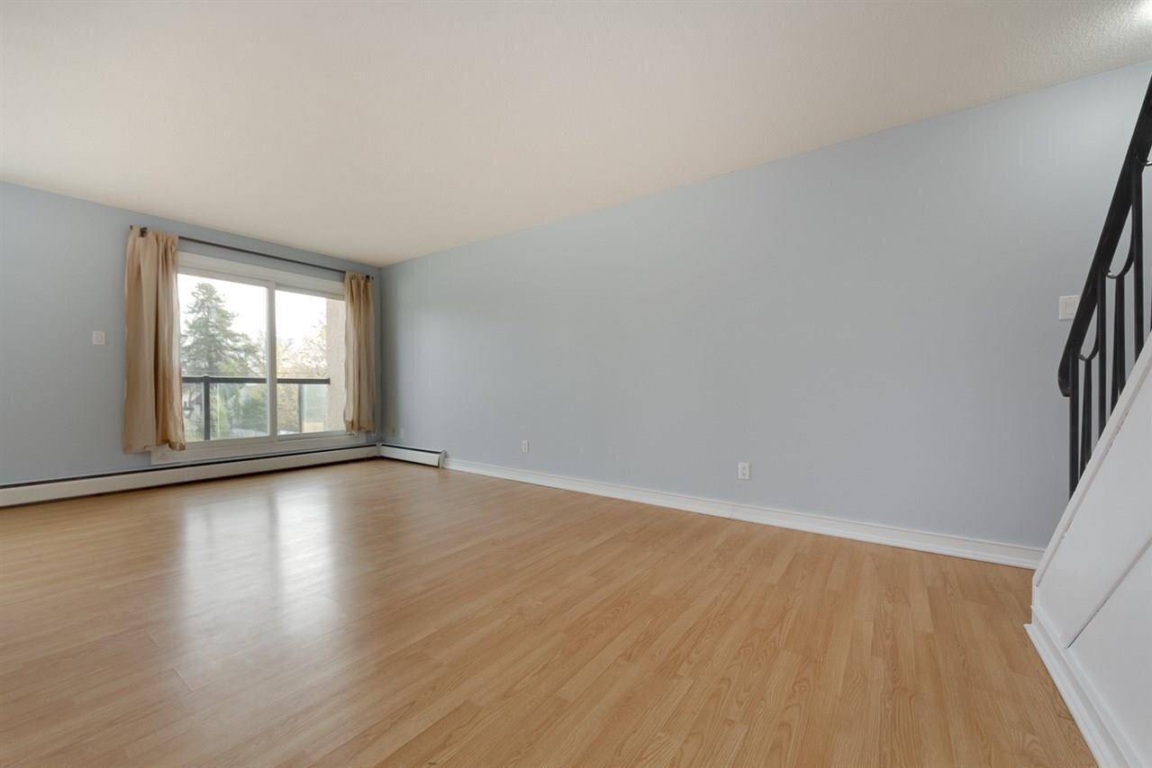 Condo for sale at 11429 124 St NW Unit 203 Edmonton Alberta - MLS: E4218753
