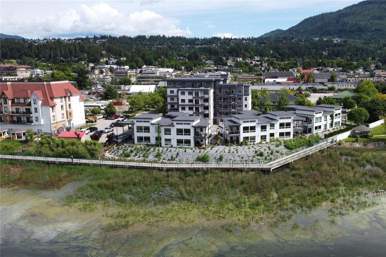 Condo for sale at 131 Harbourfront Dr Northeast Unit 203 Salmon Arm British Columbia - MLS: 10190904
