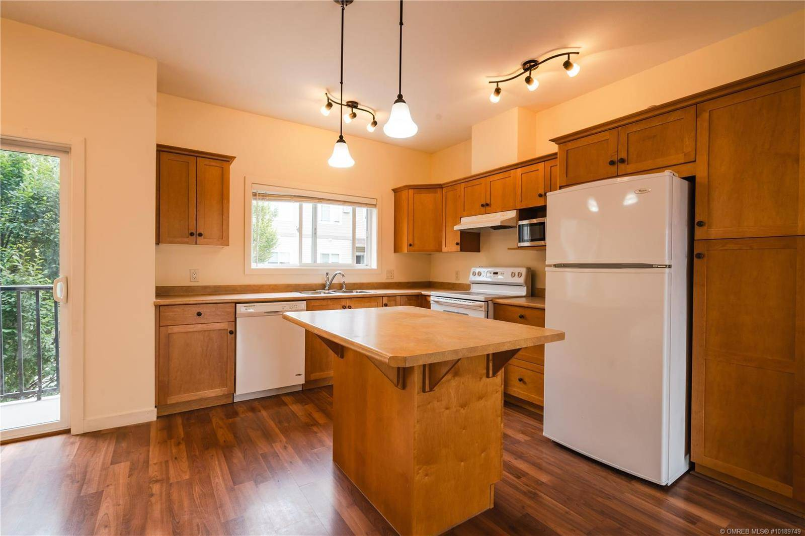 Townhouse for sale at 150 Mallach Rd Unit 203 Kelowna British Columbia - MLS: 10189749