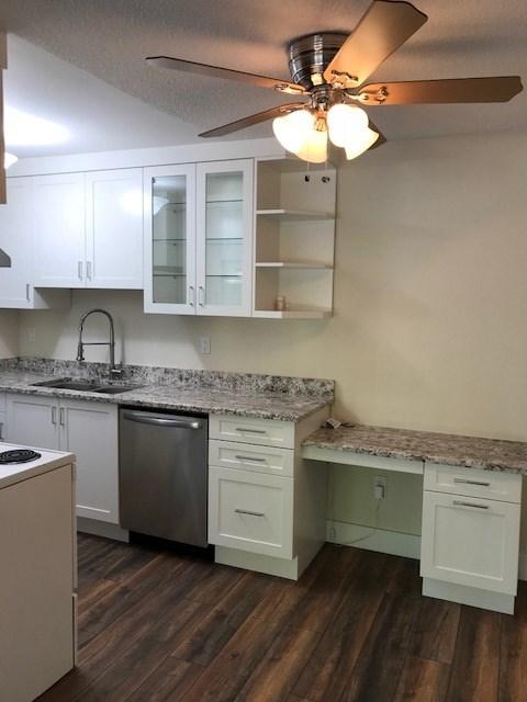 Sold: 203 - 15020 North Bluff Road, White Rock, BC