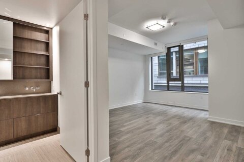Apartment for rent at 2 St Thomas St Unit 203 Toronto Ontario - MLS: C5068140