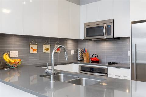 Condo for sale at 2665 Mountain Hy Unit 203 North Vancouver British Columbia - MLS: R2341513