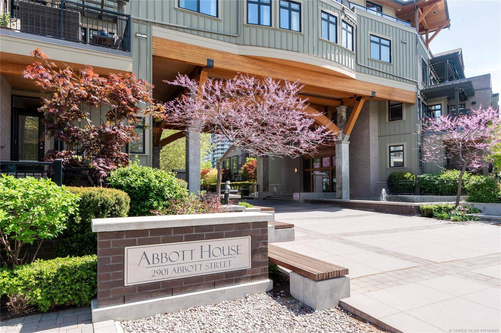 Condo for sale at 2901 Abbott St Unit 203 Kelowna British Columbia - MLS: 10194885