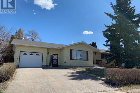House for sale at 203 3rd St W Delisle Saskatchewan - MLS: SK768675