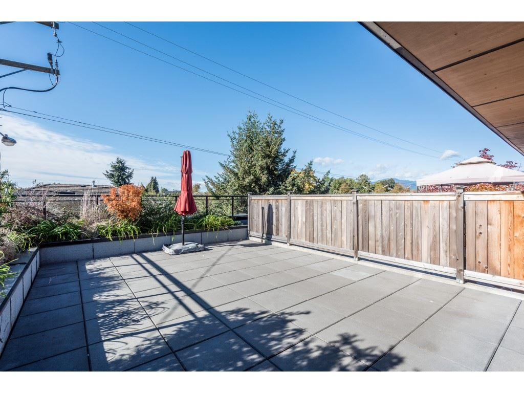 Sold: 203 - 688 East 18th Avenue, Vancouver, BC