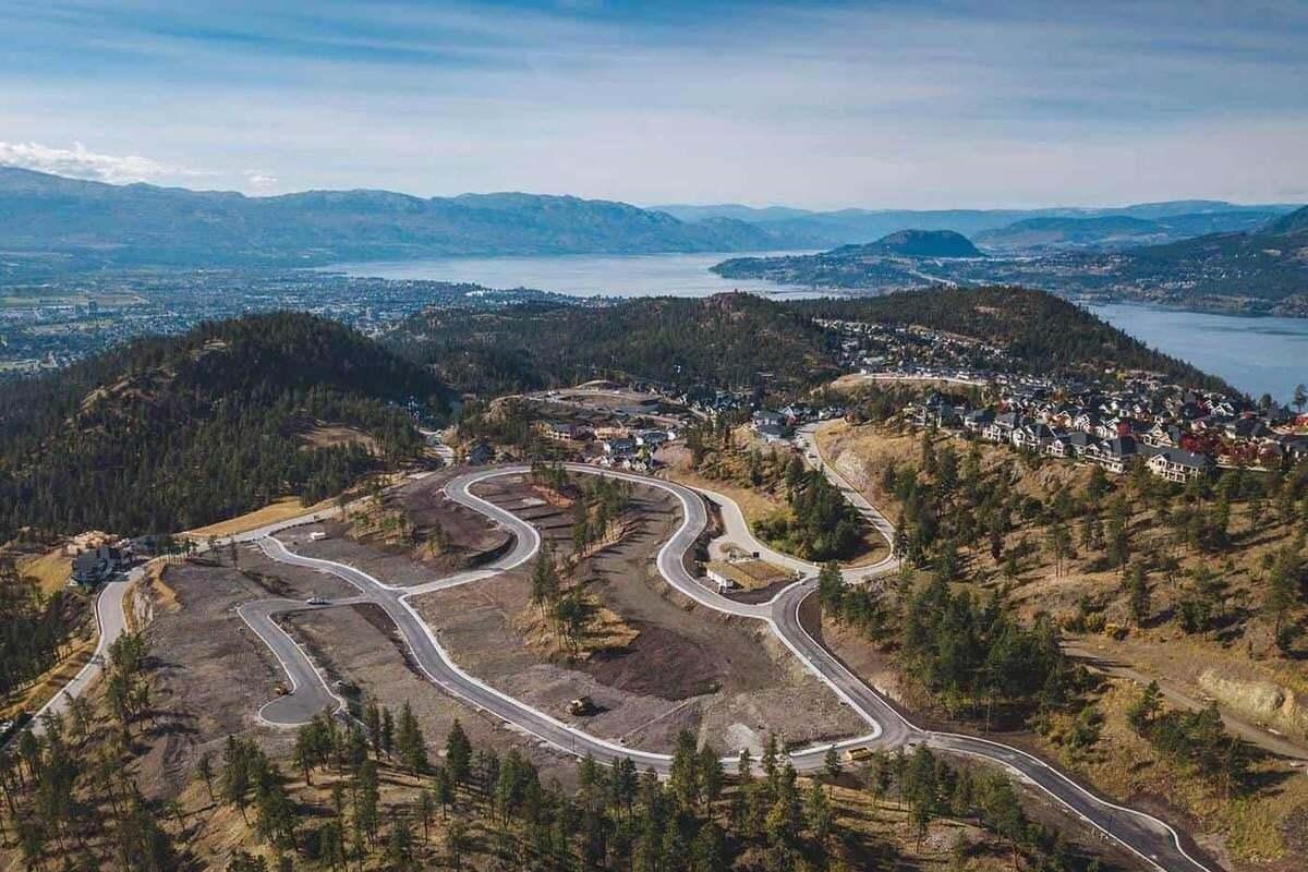 Home for sale at 203 Echo Ridge Dr Kelowna British Columbia - MLS: 10215528