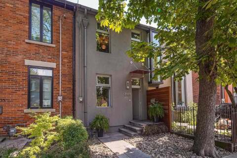 Townhouse for sale at 203 Hamilton St Toronto Ontario - MLS: E4922245