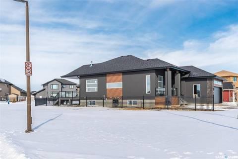 House for sale at 203 Hamm Cres Saskatoon Saskatchewan - MLS: SK799244