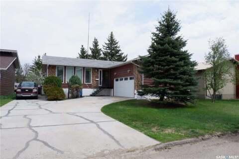 House for sale at 203 Magnan St Gravelbourg Saskatchewan - MLS: SK809363
