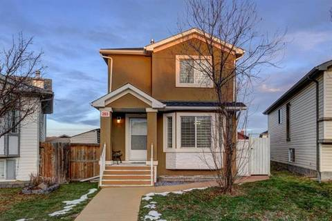 House for sale at 203 Martinvalley Cres Northeast Calgary Alberta - MLS: C4276078