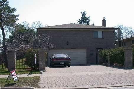 House for rent at 203 Oakmeadow Blvd Toronto Ontario - MLS: E4572896