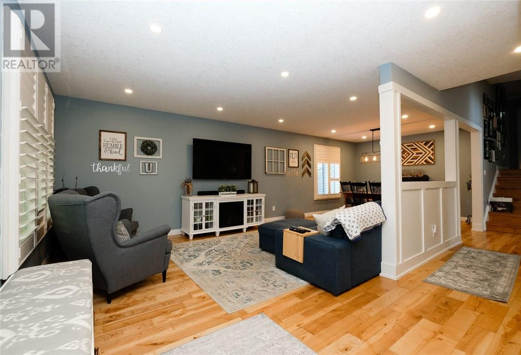 For Sale: 203 Oakwood Drive, Dorchester, ON | 3 Bed, 2 Bath Home for $479,000. See 39 photos!