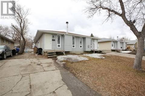 Townhouse for sale at 203 Thomson Ave Regina Saskatchewan - MLS: SK763959