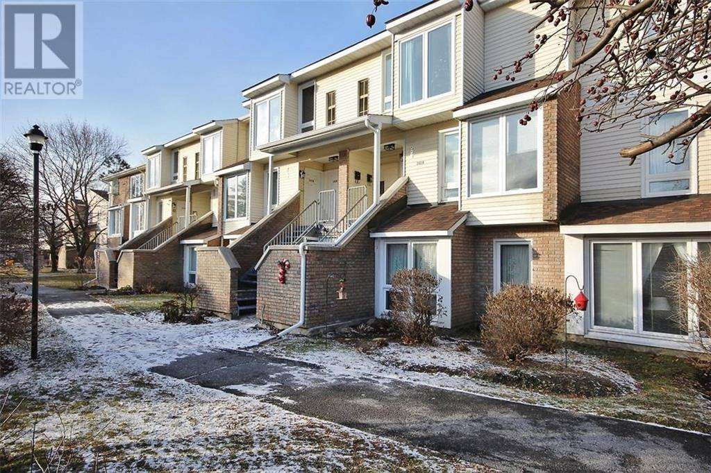Townhouse for sale at 203 Woodfield Dr Ottawa Ontario - MLS: 1177322
