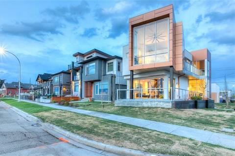 House for sale at 2030 Salisbury St Southeast Calgary Alberta - MLS: C4257809