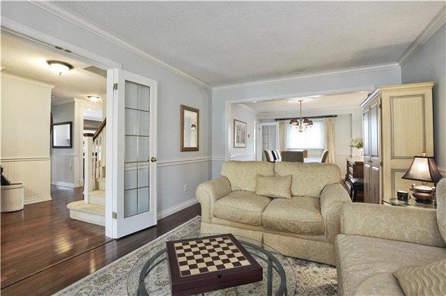 For Sale: 2033 Headon Forest Drive, Burlington, ON | 4 Bed, 4 Bath House for $899,900. See 20 photos!