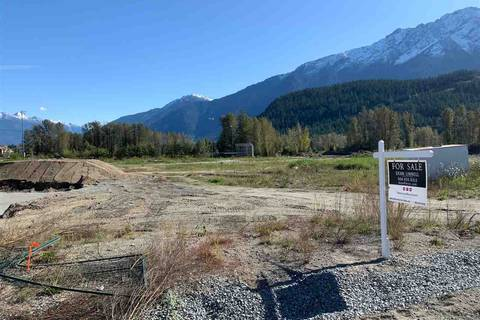 Home for sale at 2033 Tiyata Blvd Pemberton British Columbia - MLS: R2409486