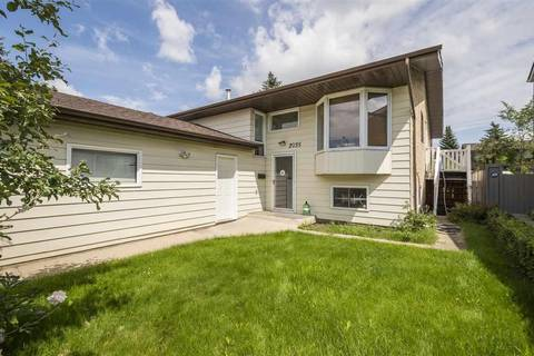 House for sale at 2035 49a St Nw Edmonton Alberta - MLS: E4166145