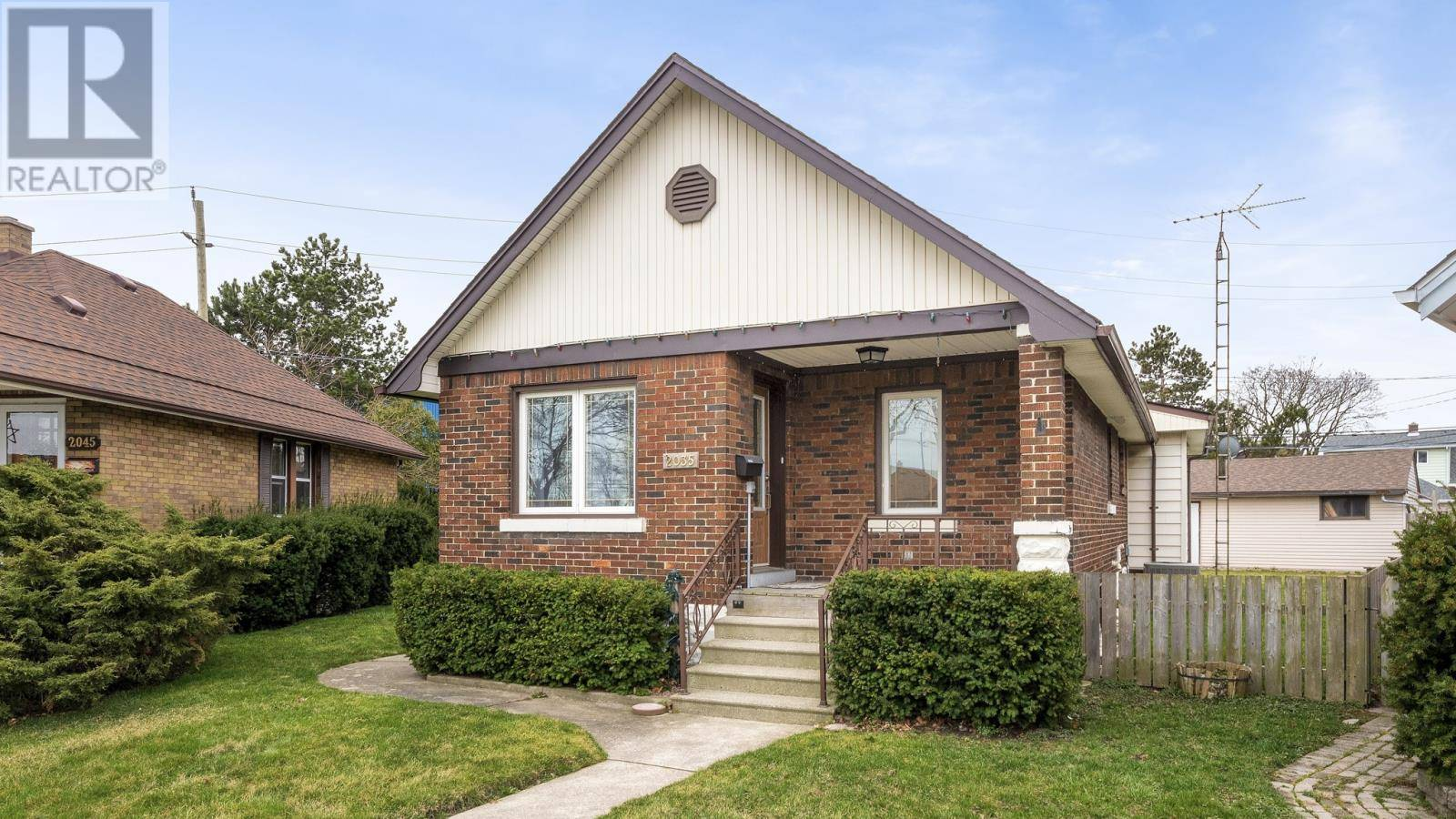 House for sale at 2035 Argyle Ct Windsor Ontario - MLS: 20003908