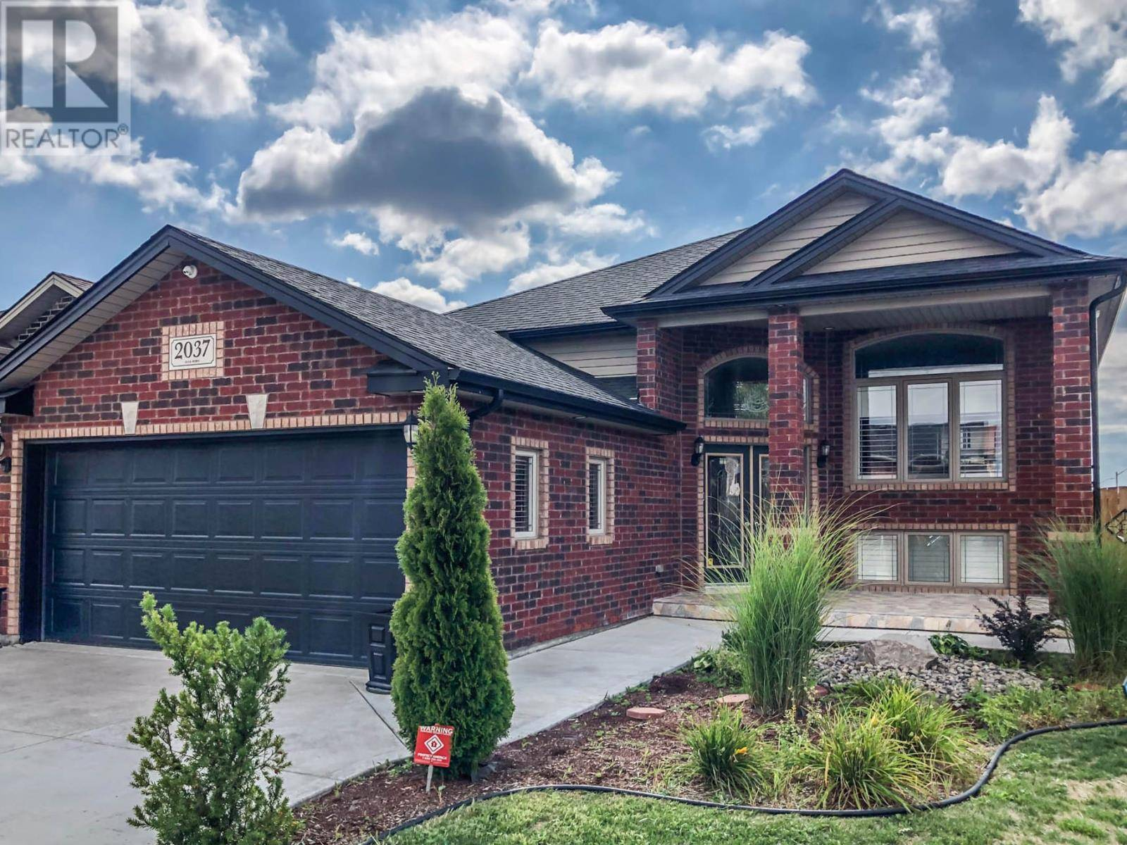 House for sale at 2037 Everts  Windsor Ontario - MLS: 19024939