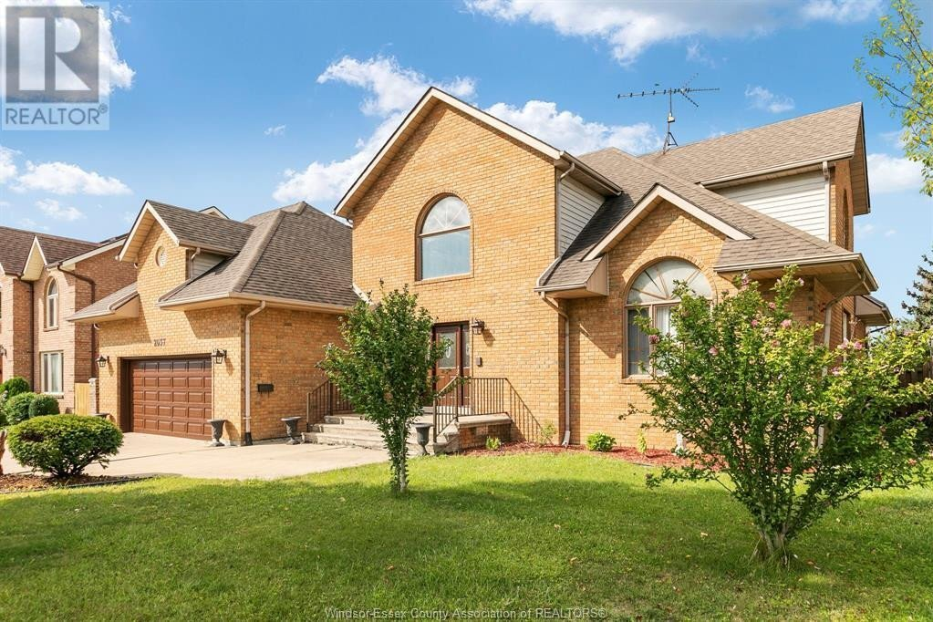 House for sale at 2037 Murray  Tecumseh Ontario - MLS: 20015121