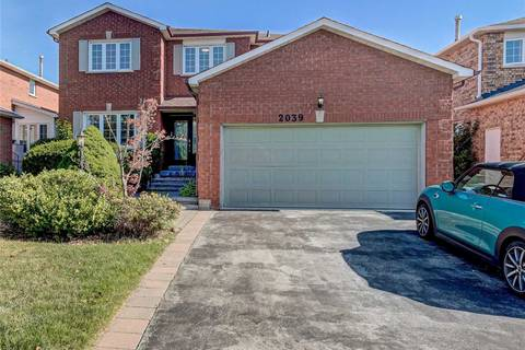 House for sale at 2039 Golden Briar Tr Oakville Ontario - MLS: W4582361