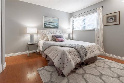 Condo for sale at 15041 Prospect Ave Unit 204 White Rock British Columbia - MLS: R2427003