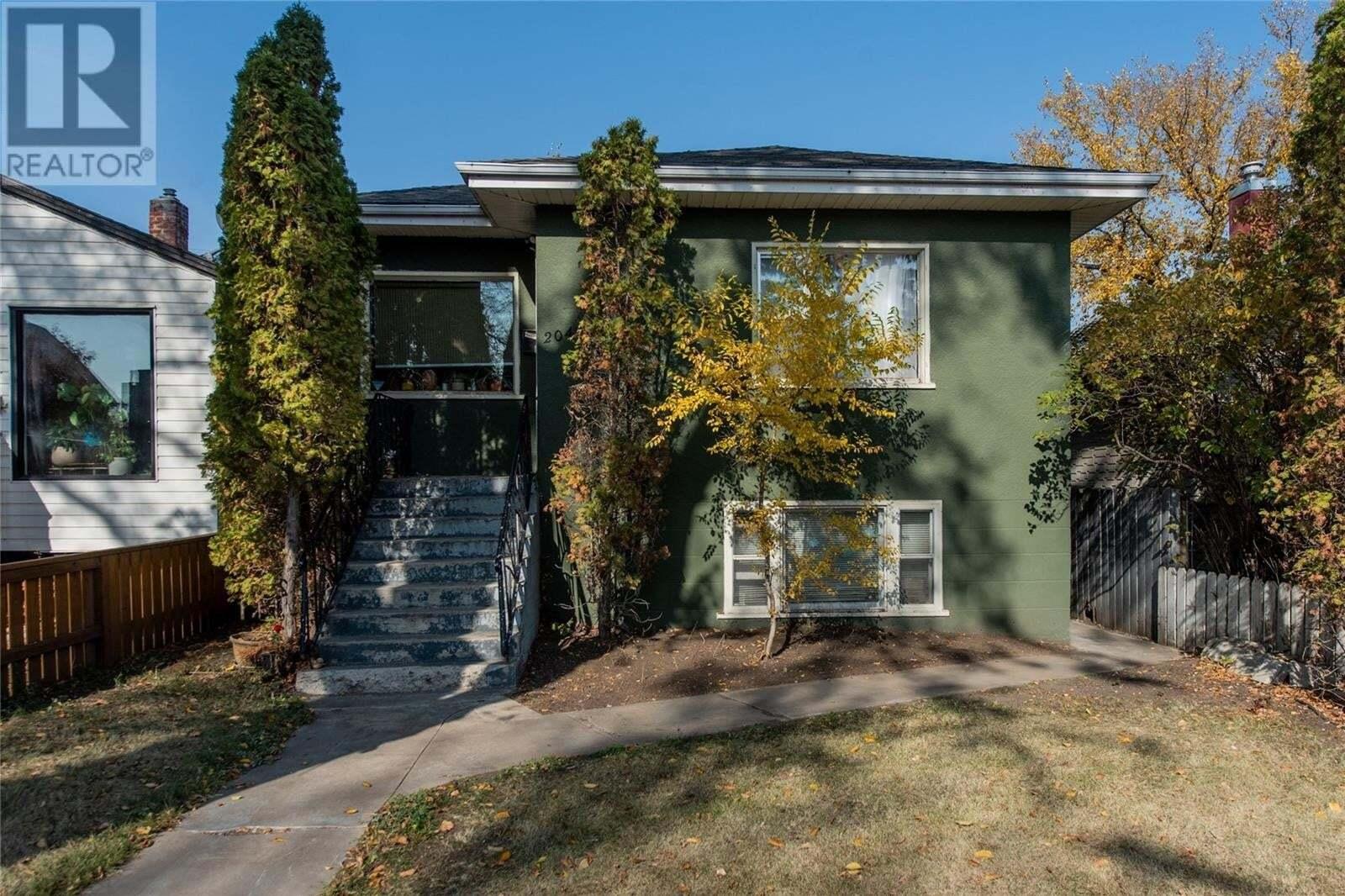 House for sale at 204 25th St W Saskatoon Saskatchewan - MLS: SK828939