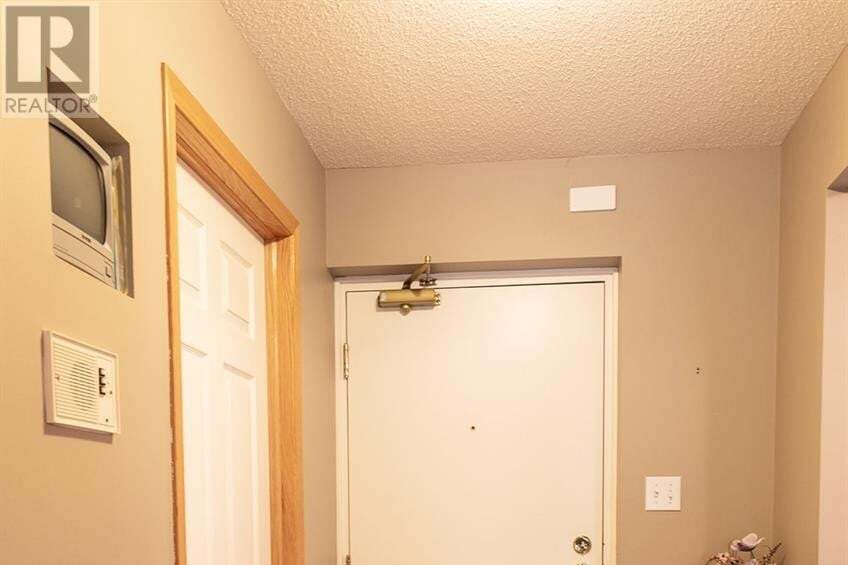Condo for sale at 301 34th St W Unit 204 Prince Albert Saskatchewan - MLS: SK830328