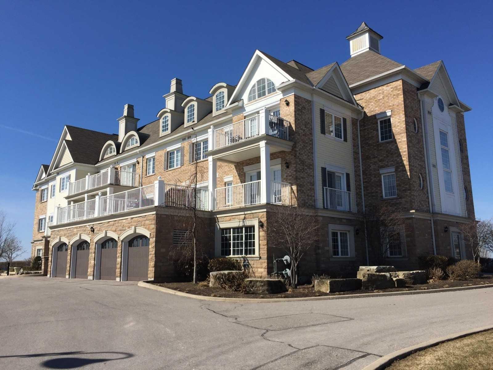 Buliding: 385 Lakebreeze Drive, Clarington, ON