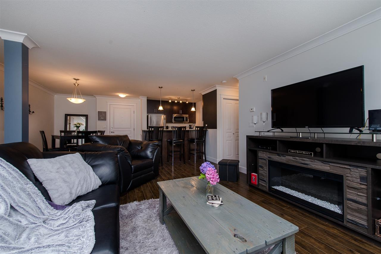 For Sale: 204 - 45665 Patten Avenue, Chilliwack, BC | 1 Bed, 1 Bath Condo for $249,900. See 20 photos!