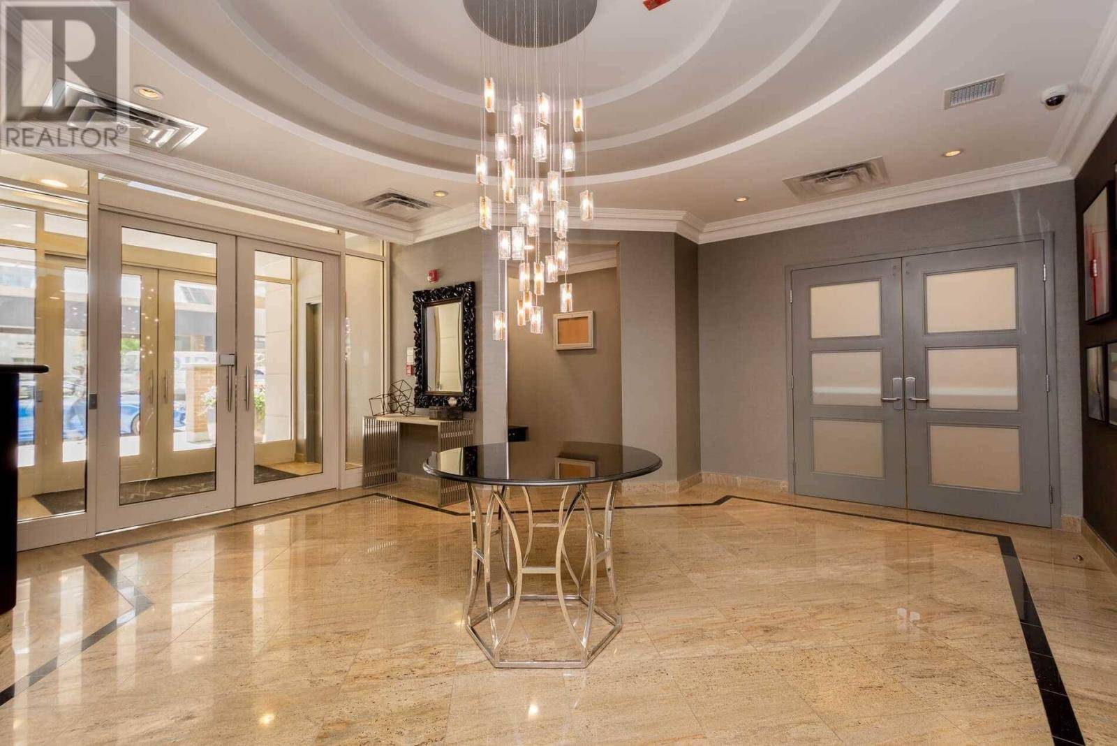 Enjoyable 204 60 St Clair Avenue West Toronto For Rent 2 450 Home Interior And Landscaping Spoatsignezvosmurscom