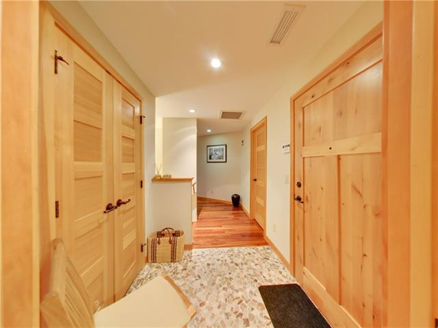 Buliding: 600 Spring Creek Drive, Canmore, AB