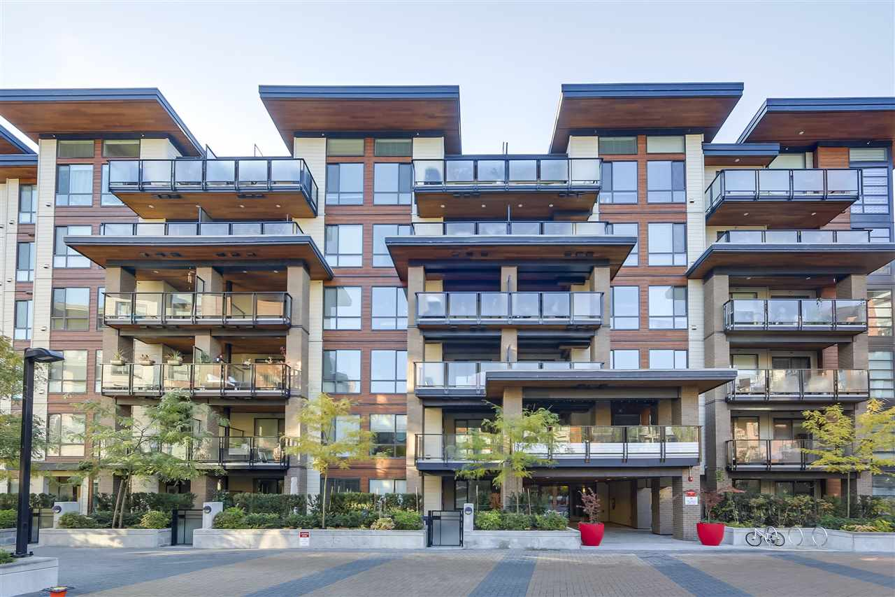 Buliding: 719 West 3rd Street, North Vancouver, BC