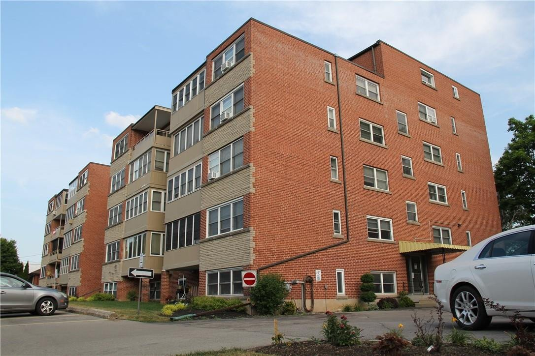Condo for sale at 9 Grant Blvd Unit 204 Dundas Ontario - MLS: H4082570