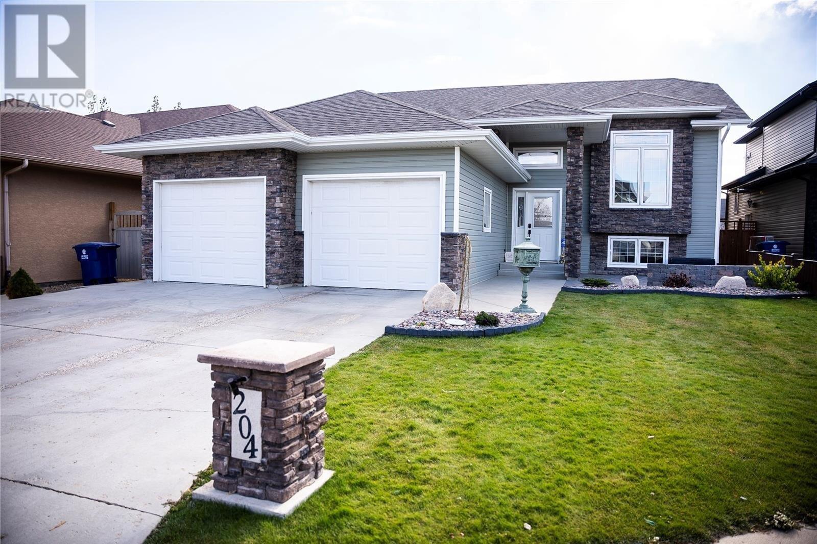 House for sale at 204 Floyd Ct Warman Saskatchewan - MLS: SK830979