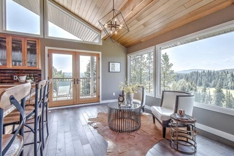 House for sale at 204 Saddle Rd Bragg Creek Alberta - MLS: A1052024
