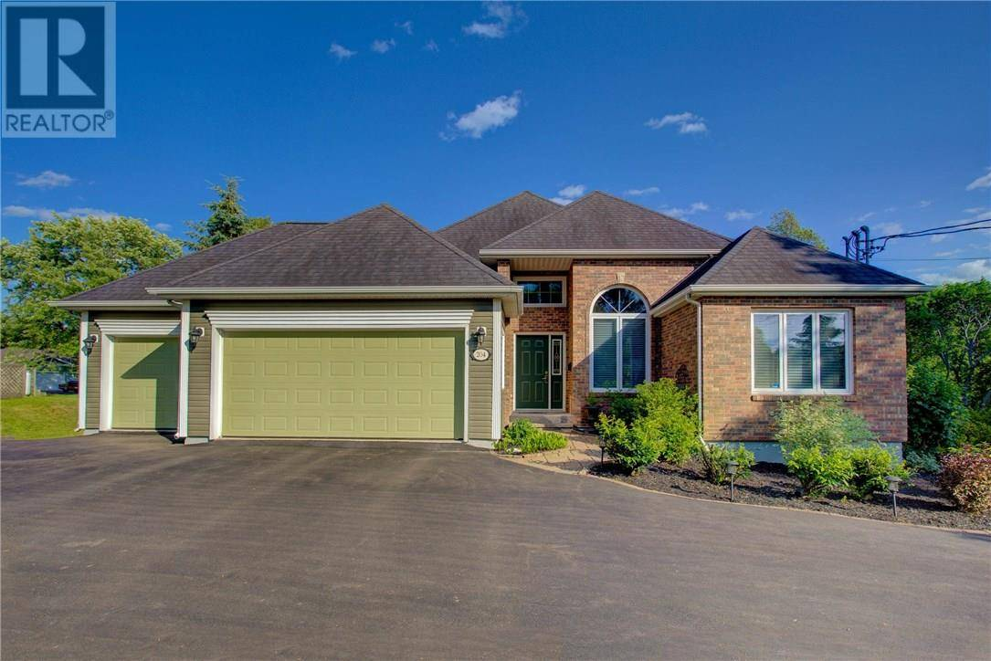 House for sale at 204 Shediac Rd Moncton New Brunswick - MLS: M124220