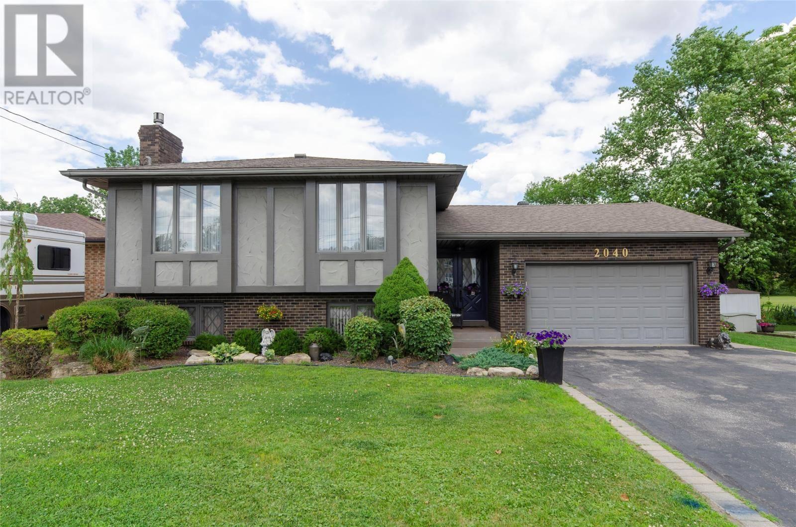 House for sale at 2040 Spring Garden  Windsor Ontario - MLS: 19022655
